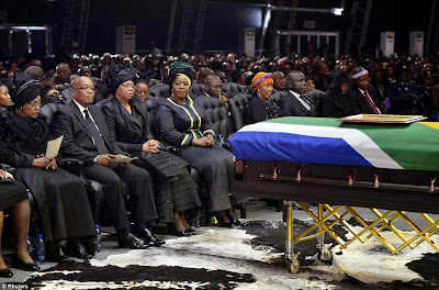 article 2523695 1A1DD15A00000578 870 964x636 Photos from Nelson Mandelas funeral