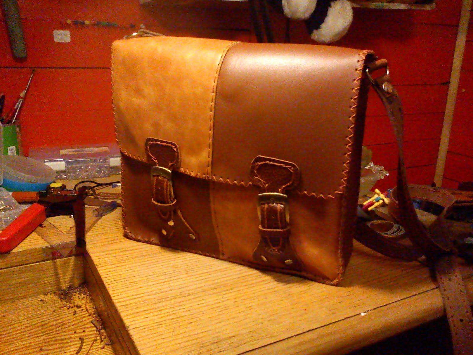 nuevo concepto 67202 be221 confecciones de cuero I.Q.: bolso modelo universitario ...