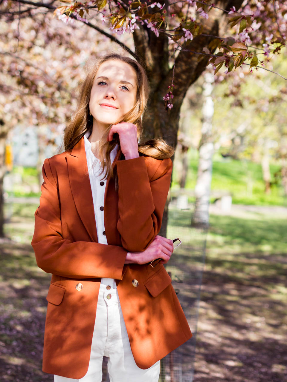 fashion-blogger-spring-outfit-inspiration-all-white-rust-blazer-and-goals-2019-check-in