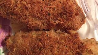صدور الدجاج بجبن الباراميزان والشيدر والثوم