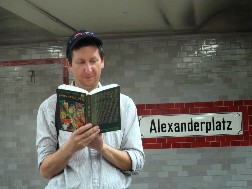 לקרוא את ברלין אלכסנדרפלאץ בברלין אלכסנדרפלאץ