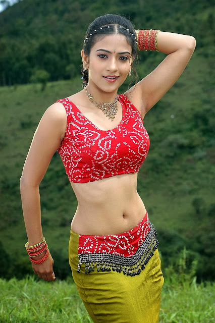 Aditi Sharma Hot images by bollywoodpinup.blogspot.com