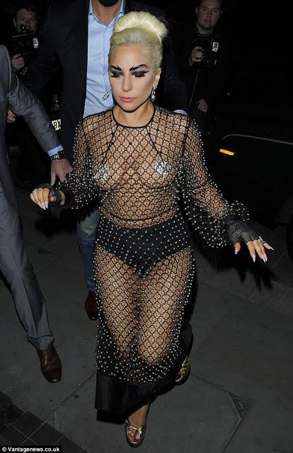 Lady gaga shows boob