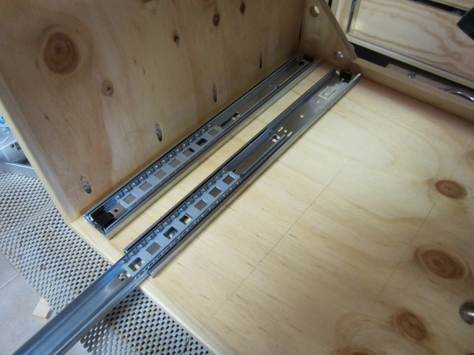 Workshop Projects Full Extension Drawer Slide Mounting