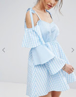 http://www.asos.fr/boohoo/boohoo-robe-a-carreaux-vichy-et-manches-volantees/prd/7834723?iid=7834723&clr=Bleu&SearchQuery=&cid=8799&pgesize=204&pge=2&totalstyles=8557&gridsize=4&gridrow=26&gridcolumn=1