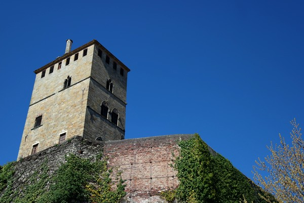 cahors vieille ville tour château-du-roi