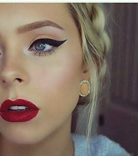 Eyeliner makeup look