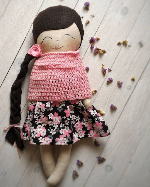 Bambole di stoffa- Tiny Flowers Doll