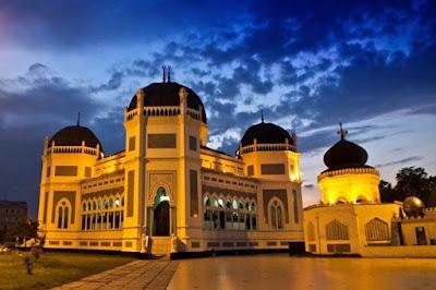 Masjid Raya Medan: Wisata Religi dan Sejarah di Kota Medan