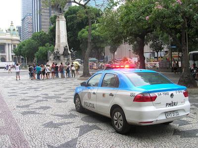 Policía de Río de Janeiro, Brasil, La vuelta al mundo de Asun y Ricardo, round the world, mundoporlibre.com