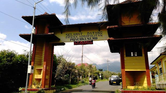 Gerbang Desa Wisata Poncokusumo, Malang