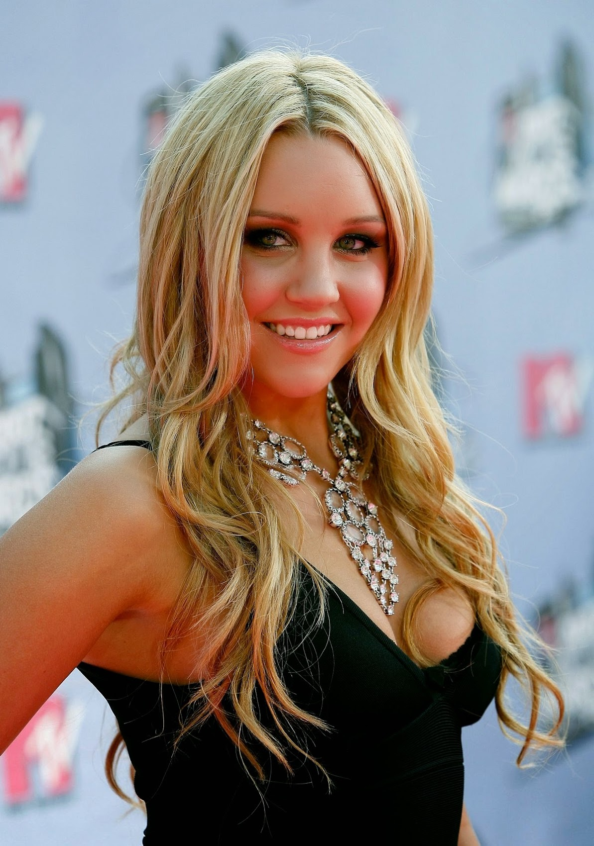 Amanda Bynes summary | Film Actresses Abbie Cornish Facebook