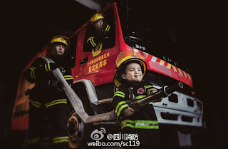 See Viral Adorable Photos Of Firefighter Teaming With His 4-Year-Old Son
