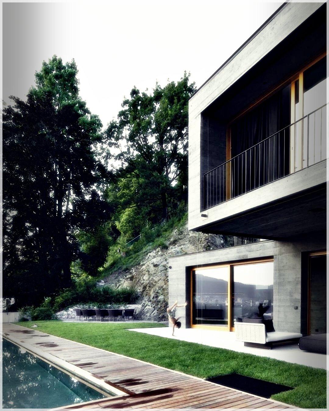 ModernHouse-17405682311