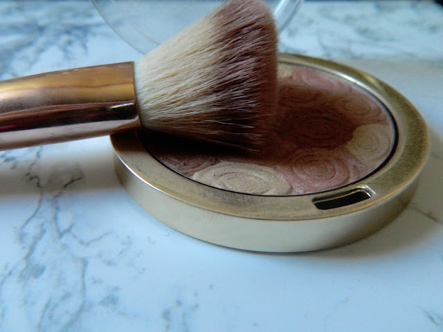 milani-illuminating-powder