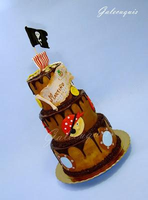Dripped cake de chocolate temática pirata
