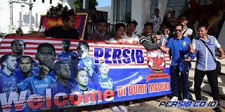 Suporter Madura United Sambut Persib