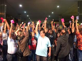 Bancários de 13 estados mais o DF decidem encerrar a greve