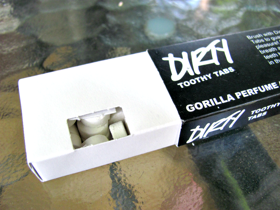 lush-cosmetics-dirty-toothy-tabs