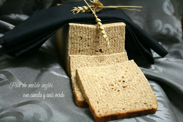 Pan de molde inglés con canela y semillas de anís verde