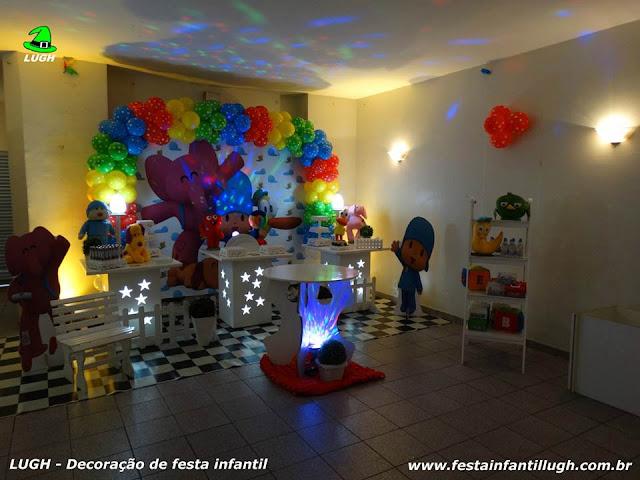 Decoração Pocoyo em mesa temática decorada para festa de aniversário infantil