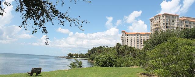 Vista de la bahía de Sarasota desde el Centennial Park