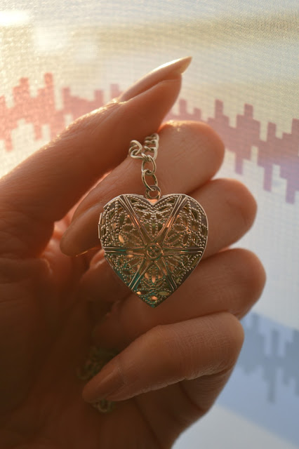 Chipina heart necklace