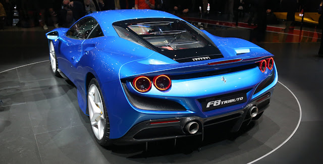 フェラーリ・F8トリブート