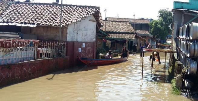 Banjir Setinggi 2 Meter di Bandung Rendam 3 Kecamatan