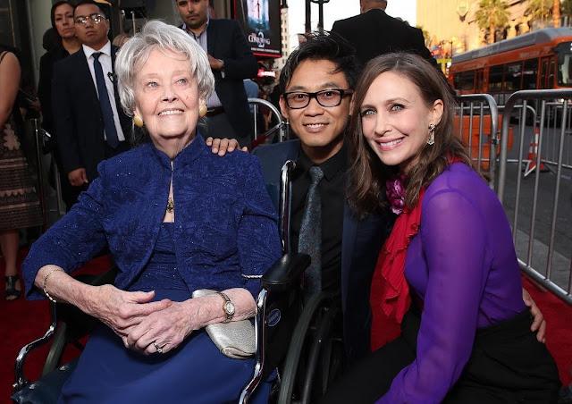 Lorraine Warren, que inspirou a franquia Invocação do Mal, morre aos 92 anos
