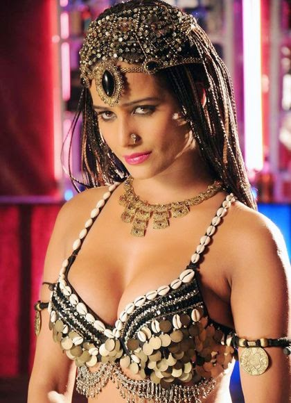 Poonam Pandey Sexy Wallpaper, Poonam Pandey HD sexy wallpaper, Poonam Pandey sexy photos, Poonam Pandey Sexy pictures