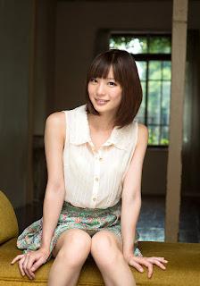 airi suzumura stripping naked pics 04