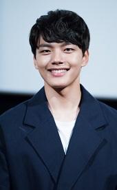 Biodata Yeo Jin-Goo  pemeran Prince Yeoning