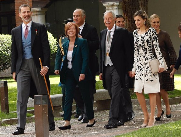 Queen Letizia wore Felipe Varela dress, Magrit pumps and carried Felipe Varela clutch bag for 2016 Cervantes Literary Award Ceremony. King Felipe