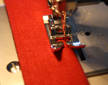 Tote bag tutorial - sewing straps