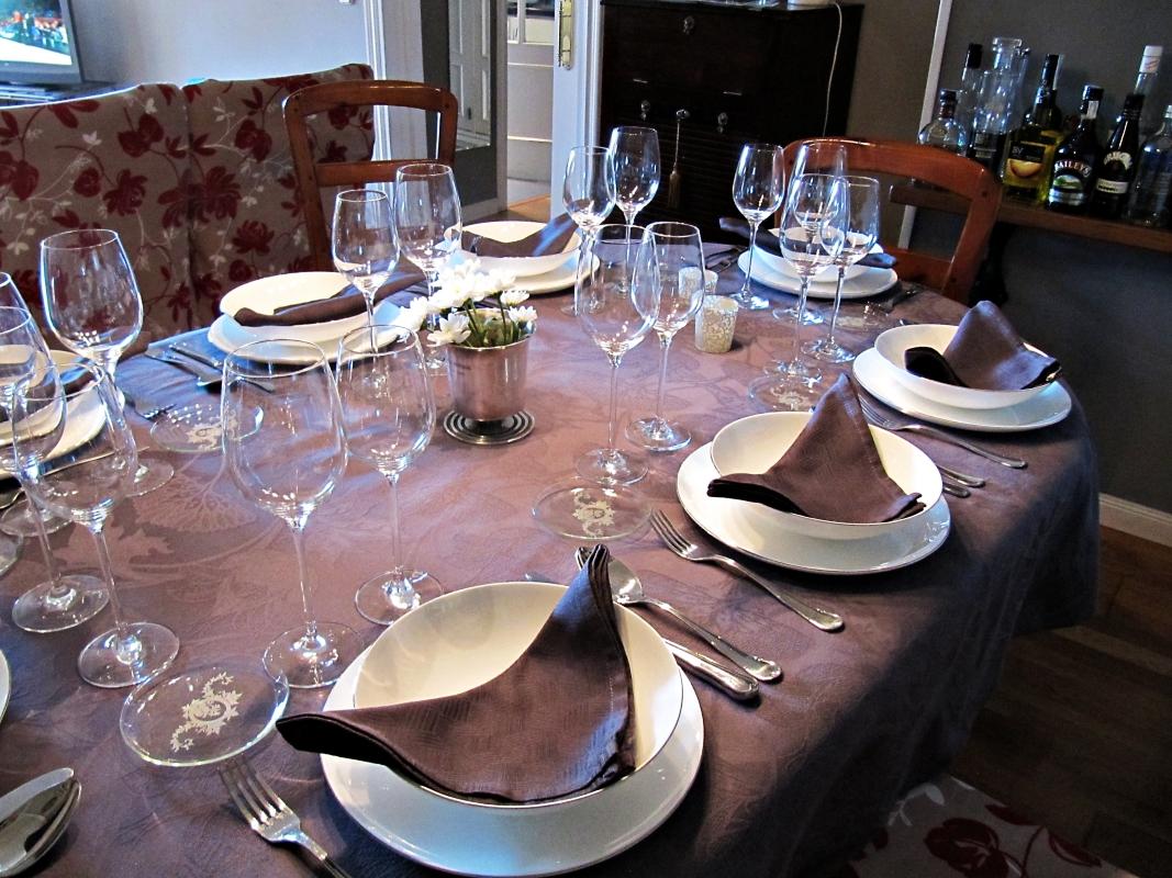 Men s para impresionar antes lo llam bamos banquete for Mesas de comer