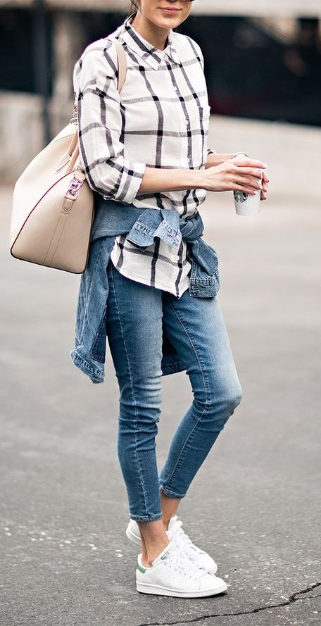 street style perfection: shirt + bag + skinnies + denim jacket