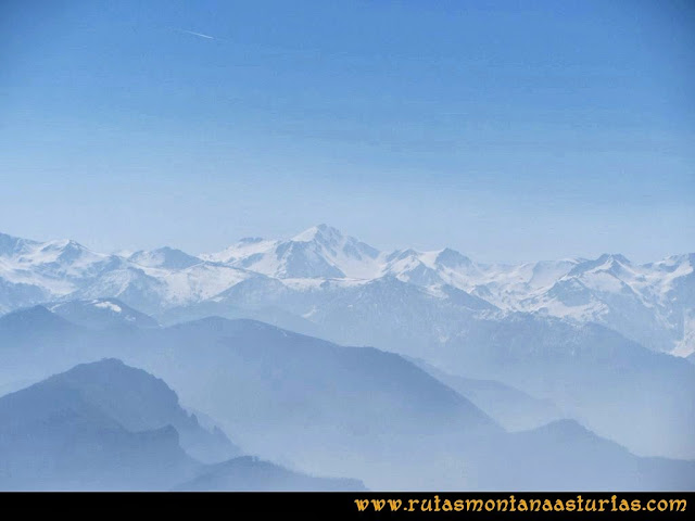 Ruta Pico Horru o Peña Manteca: Cordillera nevada