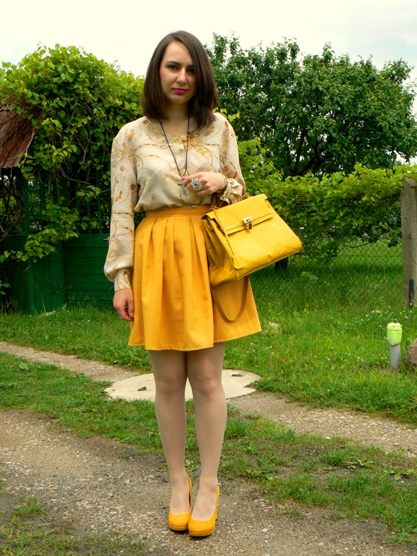 Yellow Total Look