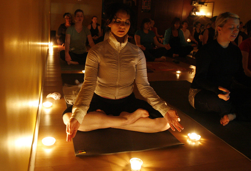 thap nen thom tap yoga