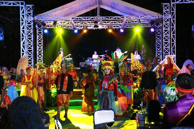 fashion show festival tanjung kelayang