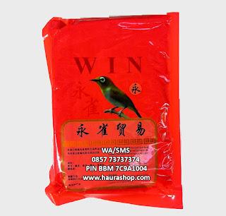 Voer Win adalah pakan pleci tinggi nutrisi yang menyediakan nutrisi esensial untuk burung pleci dan sejenisnya. Menyehatkan dan dapat meningkatkan kualitas kicauan burung pleci.