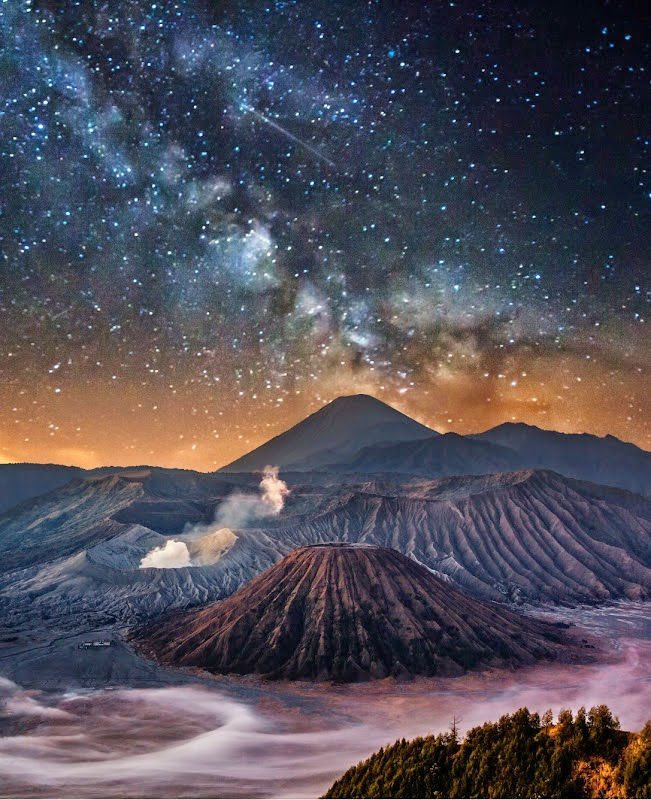 10 Places You Shouldn't Miss in Indonesia | Bromo in the Milky Way