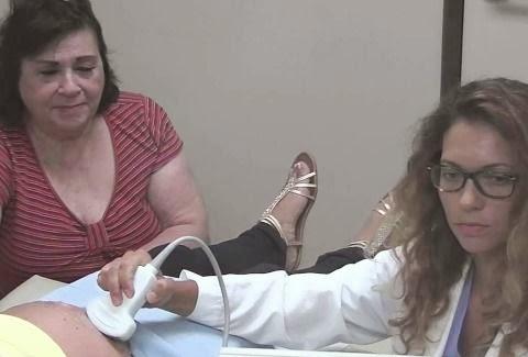 Πήγε στο νοσοκομείο για να δει το υπερηχογράφημα της εγκύου κόρης της. Αυτό  που αντίκρισε ξεπερνά κάθε φαντασία! (VIDEO) 9ca543ee16d