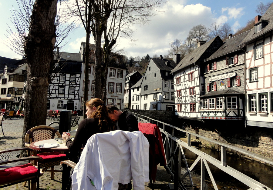 a schnitzel lunch at hotel stern on the market square of monschau germany travel and. Black Bedroom Furniture Sets. Home Design Ideas