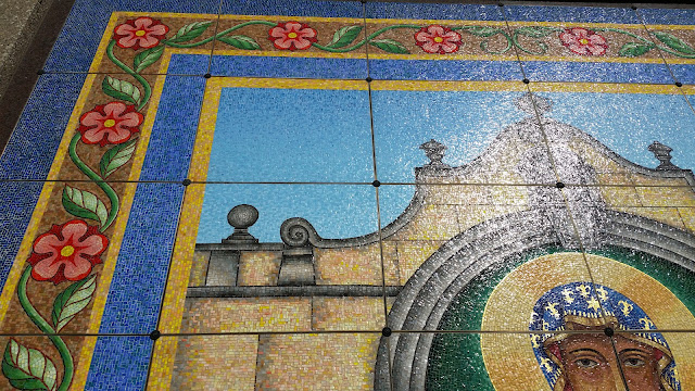 Close up photo of mural at Maryhill Catholic Cemetery Chicago