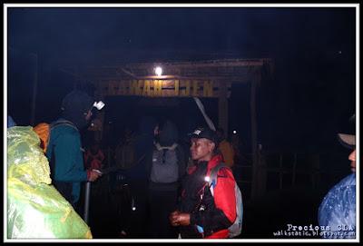 Mengejar Blue Fire Di Kawah Ijen, Surabaya