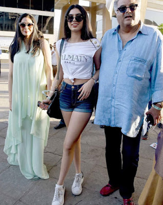 Khushi-Also-Catching-Up-With-Jhanvi-Andhra-Talkies