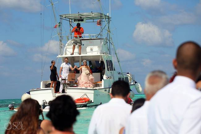 incrivel casamento realizado no mar no caribe 12 - Um casamento no meio do mar. Diferente de tudo que você já viu.