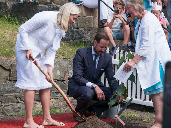 Crown Prince couple celebrated Grimstad's 200th anniversary